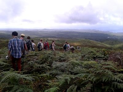 Volunteers walking in the highlands of San Cristobal
