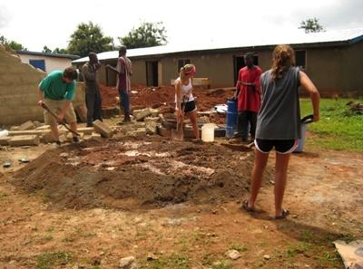 Volunteers on community construction projects in Ghana