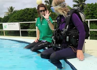 Volunteers undergo Divemaster training in Fiji