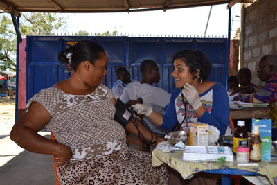 Projects Abroad Pharmacy Elective students on an outreach session in Ghana