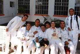 A group of volunteers doing a Physiotherapy Elective in Mexico spend time at their placement hospital.