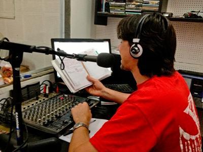 Vietnam radio journalism vounteer