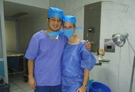 Nursing volunteer in Mexico pose for a picture