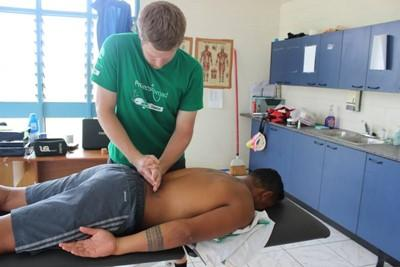 A Projects Abroad physiotherapy volunteer in Samoa