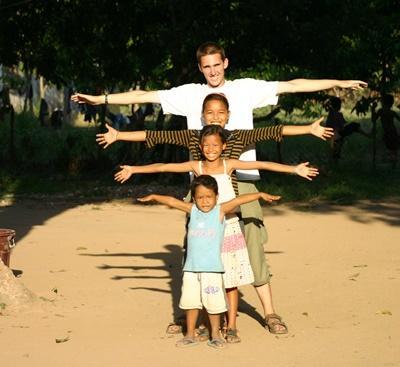 Overseas volunteering for college