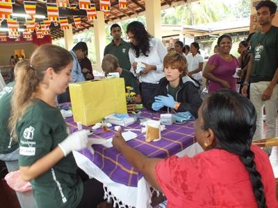 Volunteer on the Sri Lanka Medicine High School Special project