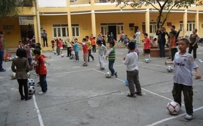 Volunteer Coaching sports in Vietnam